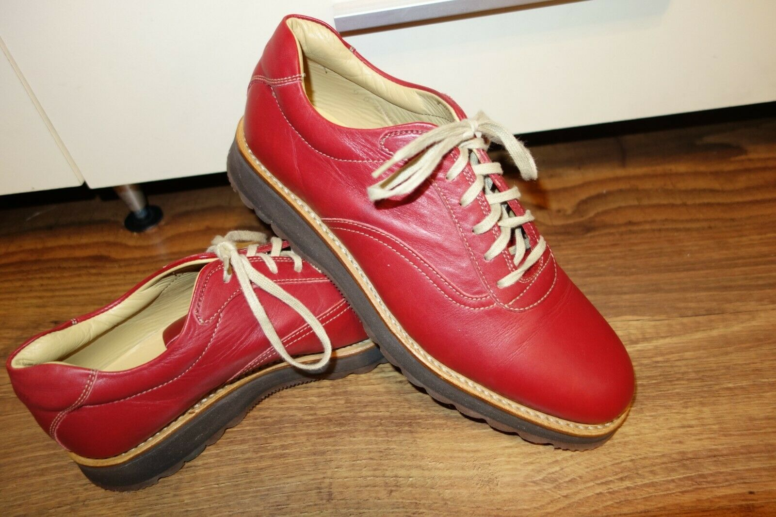 GREAT GENUINE HESCHUNG  LEATHER, SIZE UK 6.5, EU 40, RED, MINT CONDITION