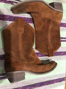 540cffe47ff Details about BCBG Rust BROWN Suede DISTRESSED WESTERN ANKLE Boots BOOTIEs  SIZE 7.5 M