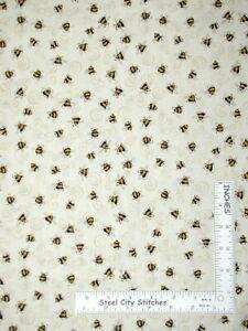 Bumble-Bees-Garden-Bee-Ecru-Cotton-Fabric-QT-Gardening-We-Grow-By-The-Yard