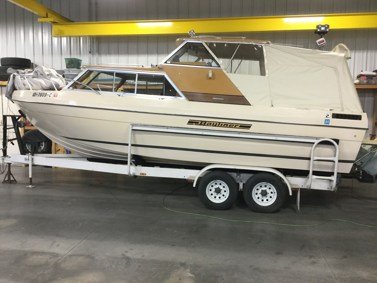 Boat Bayliner 25′ Saratoga Twin 170 Hp Volvo Penta – Find Boat Bargains