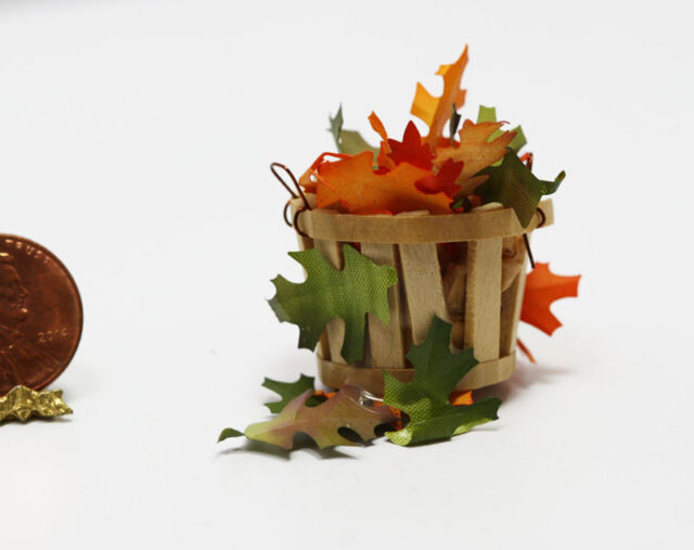 Dollhouse Miniatures Maple Leaves in fall colors 1:12
