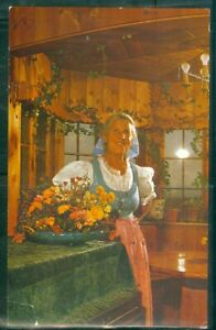 COR UNUM VON TRAPP FAMILY HOME AND BARONESS TRAPP IN LIVING ROOM 2 POST CARDS