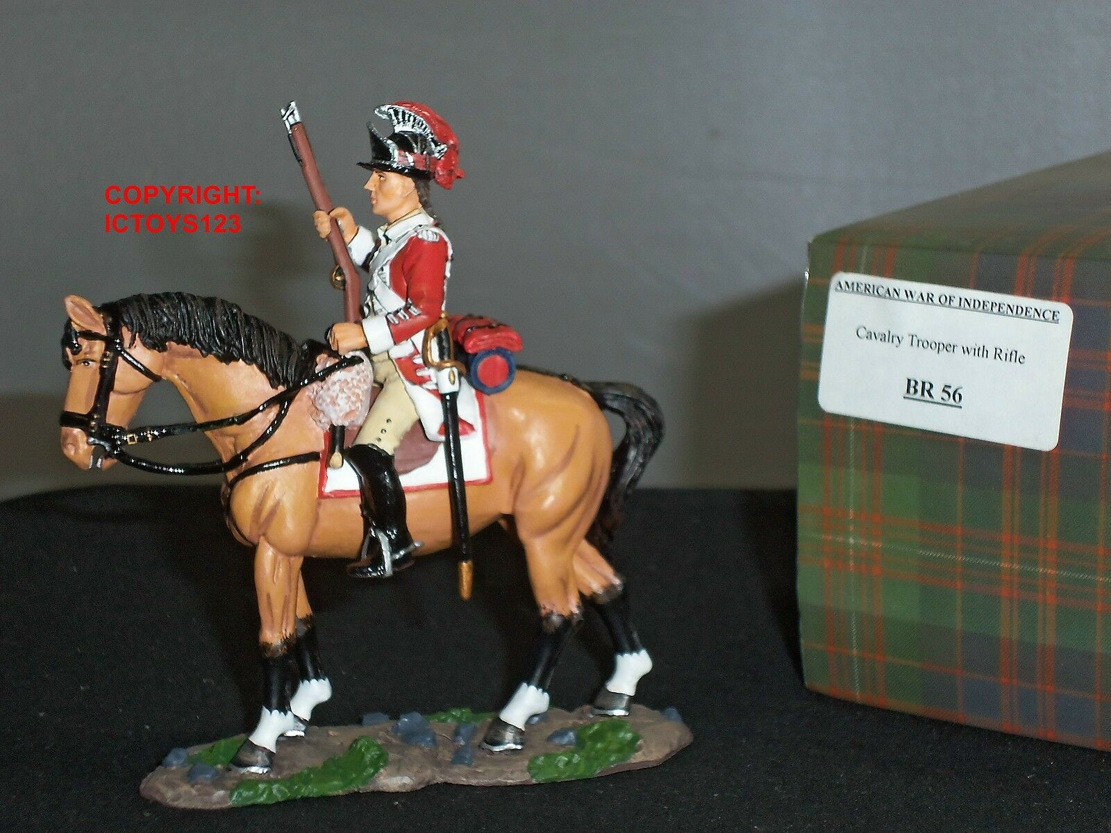 KING AND COUNTRY BR56 BRITISH CAVALRY TROOPER MOUNTED WITH RIFLE TOY SOLDIER