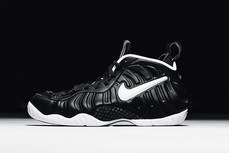 Nike Air Foamposite Pro Dr. Doom Black White Size 12. 624041-006  Penny royal