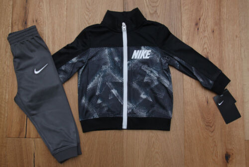 Black /& White ~ Nike Baby Boy 2 Piece Jogging Set ~ Tracksuit ~ Gray