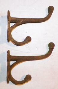 2-Antique-Bridle-Hooks-Horse-Tack-Bracket-Cast-Iron-2-Matched-Pair