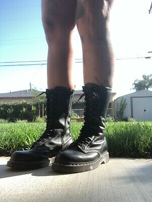 Dr Martens Doc 1B99 Black Leather 14 Eye Combat Boots