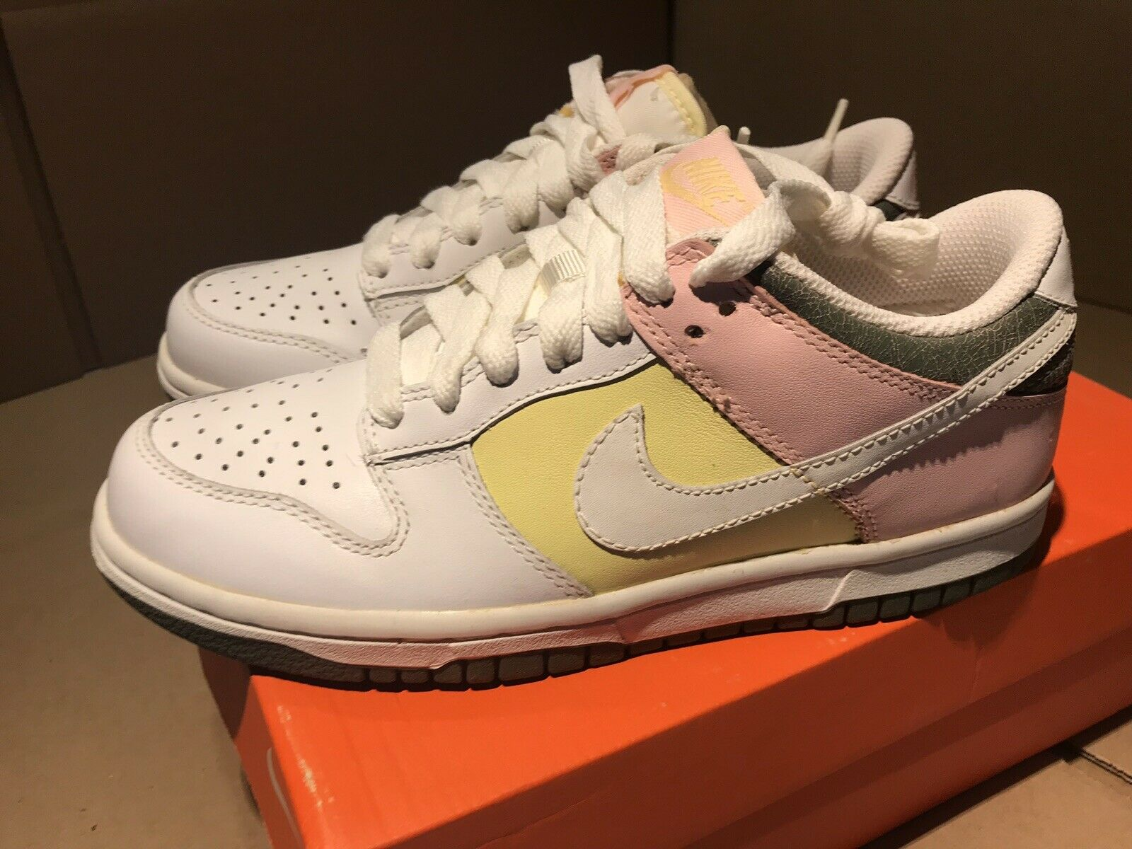 RARE 2007 NIKE EASTER Women 6 Leather Dunk Low Limited Edition White Pink Yellow