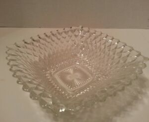 Vintage-Pressed-Glass-Square-Candy-Serving-Dish-Diamond-Pattern-Bowl-Clear-8-25-034