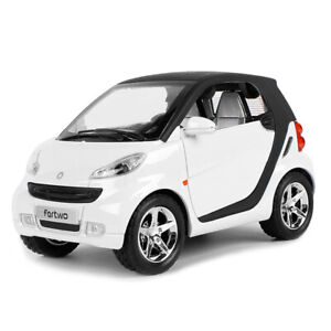 1-24-Smart-ForTwo-Metall-Die-Cast-Modellauto-Weiss-Spielzeug-Pull-Back