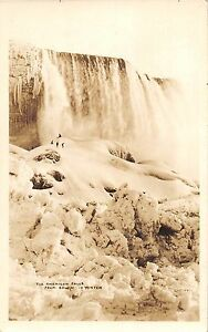 New-York-NY-Real-Photo-RPPC-NIAGARA-FALLS-c1920-Postcard-WINTER-People-27