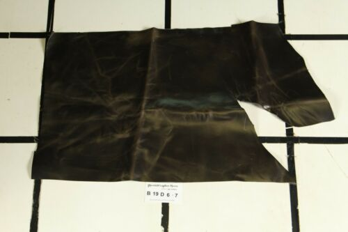 """Boston Tudor"" Brown Pullup Scrap Leather Hide Approx. 2.75 sqft. B19D67"