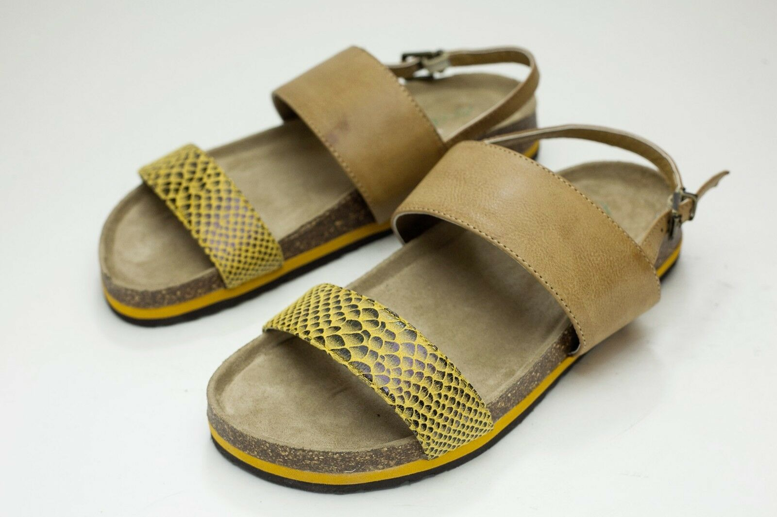 Men/Women Axxiom 5 Yellow Sandals guaranteed superior Quality and quantity guaranteed Sandals Perfect processing 140a88