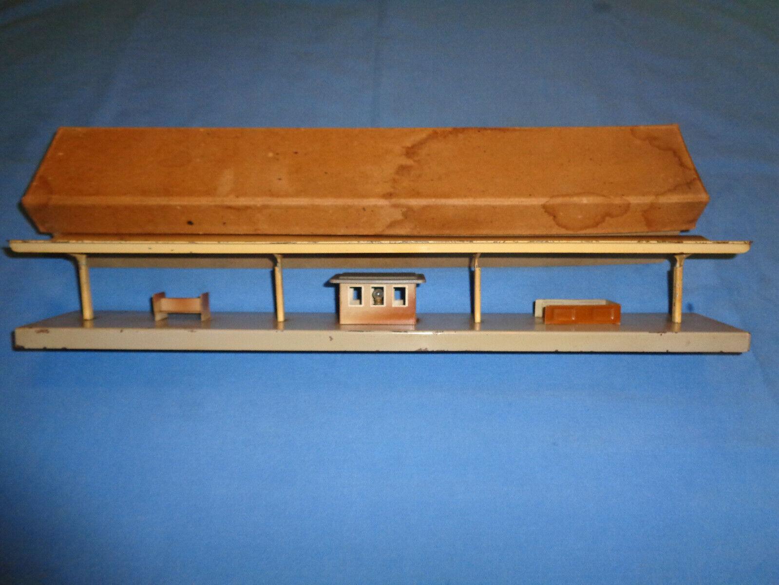 Vintage Marklin #423 Railroad, Train Passenger Station with Original Box.