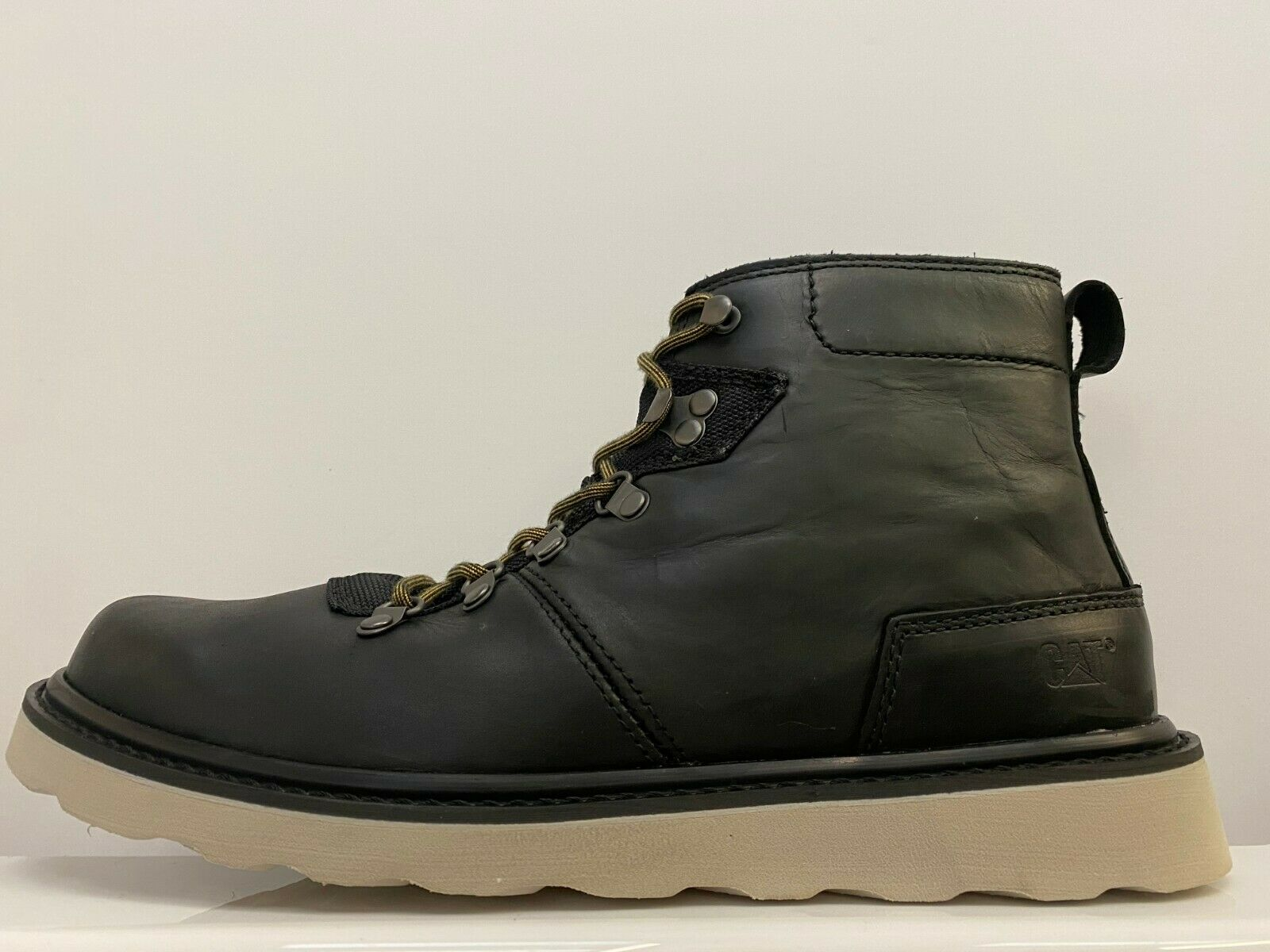 Caterpillar Shaw Boots Mens UK 11 US 12 EUR 45 REF 7538~