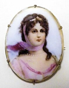 Baroque (1650-1800) Hand-Painted Heartbreaker Brooch w C-Clasp & Extended Pin