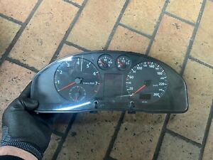 Audi A4 B5 1.6 Essence Compteur de Vitesse Instrument 8D0919034B