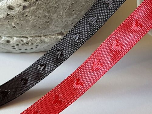 Christmas Valentine 4 Mtrs Woven HEART Ribbon Trimming RED or BLACK Crafts