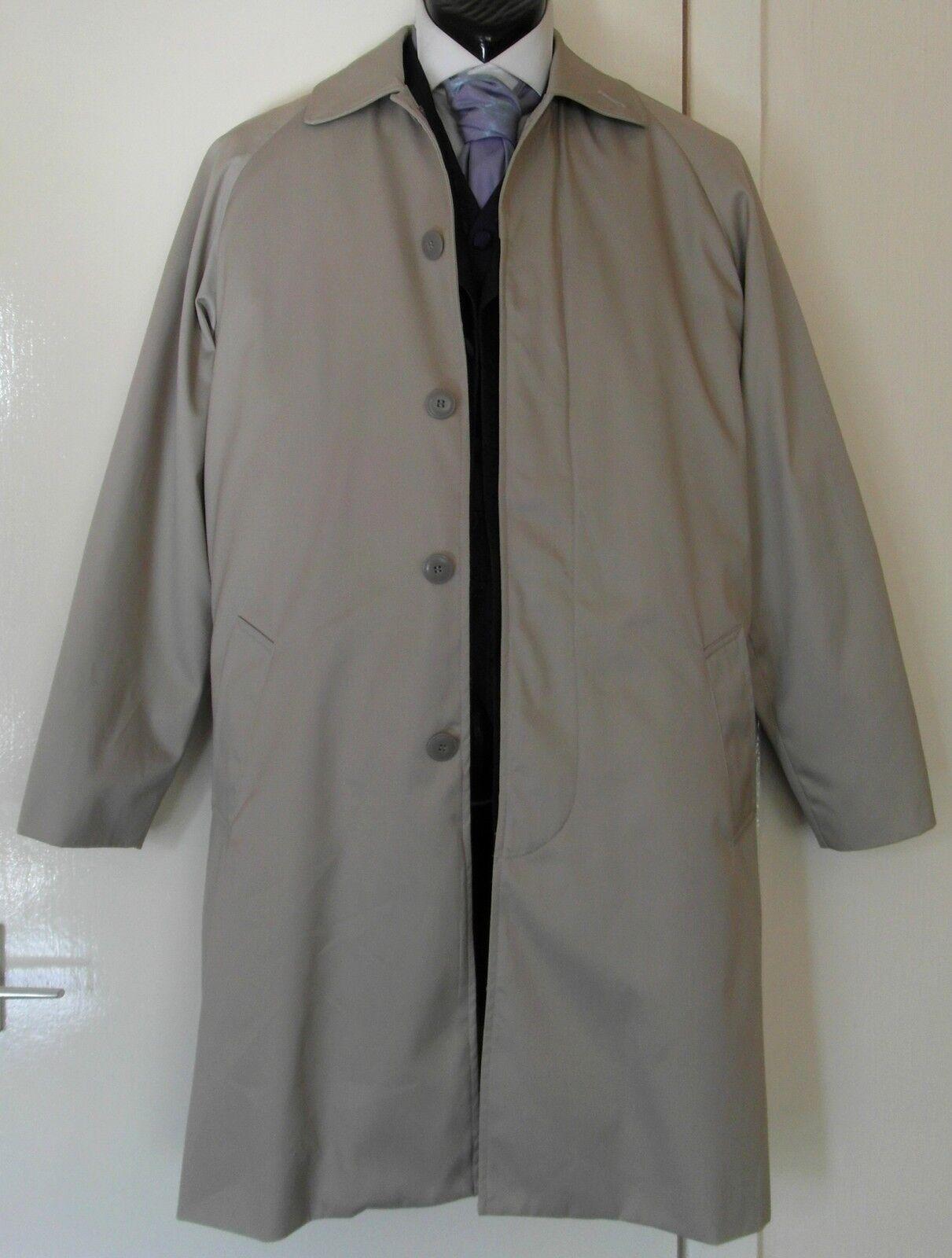Luigi Lazzari Gents Beige Raincoat with Detachable Inner Waistcoat Size 36 NWOT