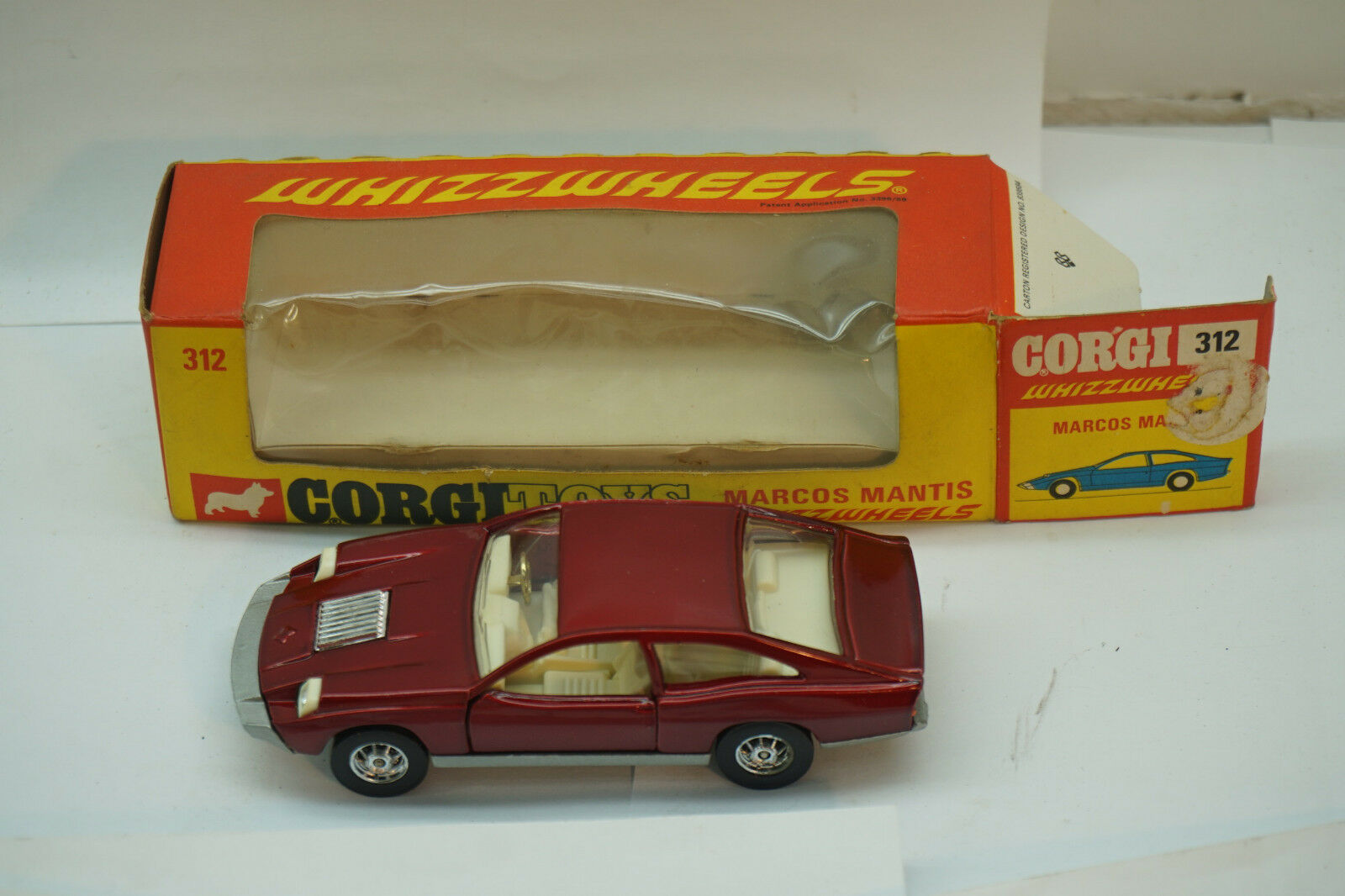 VINTAGE CORGI TOY TOY TOY CAR MARCOS MANTIS WHIZZWHEELS WITH BOX DIECAST RED 01dad7
