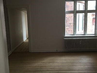 6700 vær. 3 lejlighed, m2 89, Skolegade