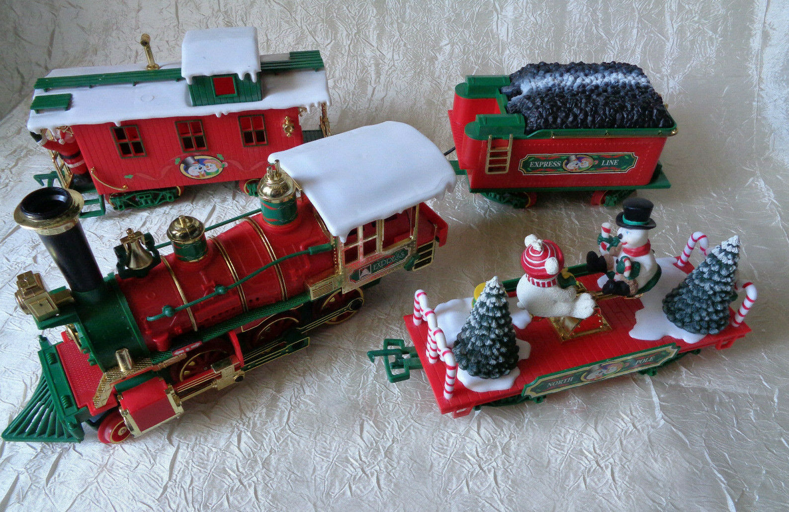 North Pole Vintage Christmas Express Line Musical G Scale Train Set  18' Track