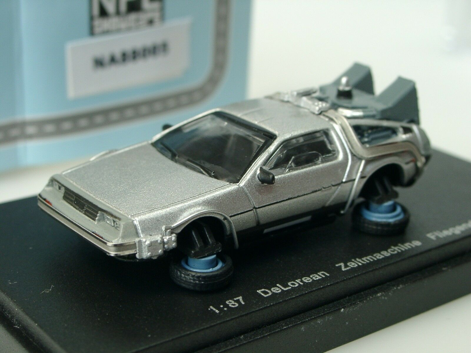 Descarga DeLorean máquina del tiempo    de vuelta en el futuro , volador - 88005 - 1 87 ed245c