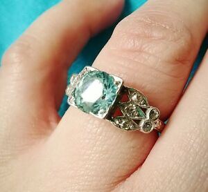 your guide to gemstone engagement rings - Gemstone Wedding Rings