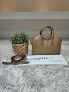 Givenchy-Antigona-Mini-Smooth-Calf