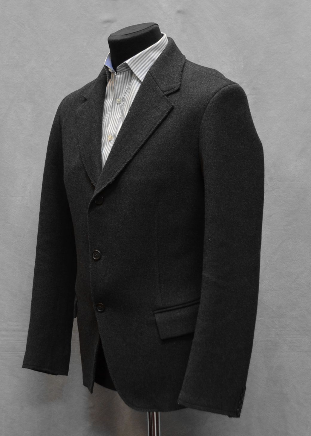G0 NEW PRADA Charcoal Wool Single Breasted 3 Button Slim Fit Blazer Size 52