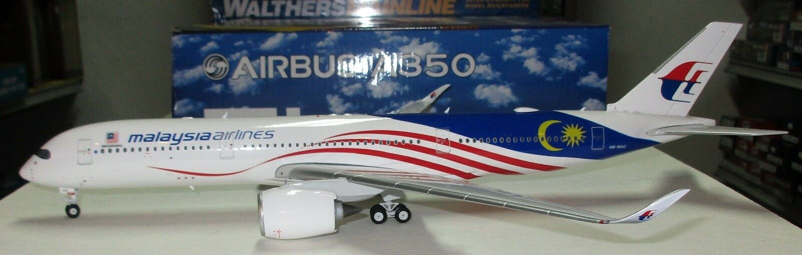 exclusivo Phoenix 1 200 200 200 - A350-900 Malaysia Airlines 9M-MAC - 100055  protección post-venta