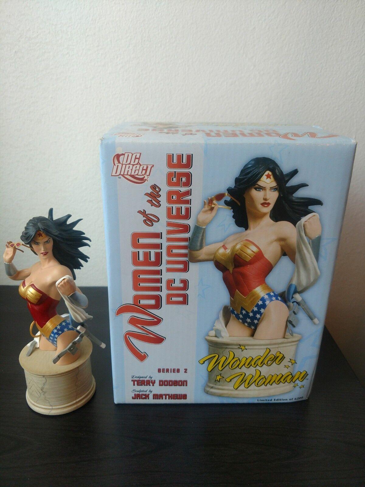 NIB Wonder Woman Bust 4925 6200 damen of the DC Universe Series 2 Terry Dodson