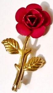 broche-retro-modele-rose-metallise-mat-rouge-base-couleur-or-poli-1755