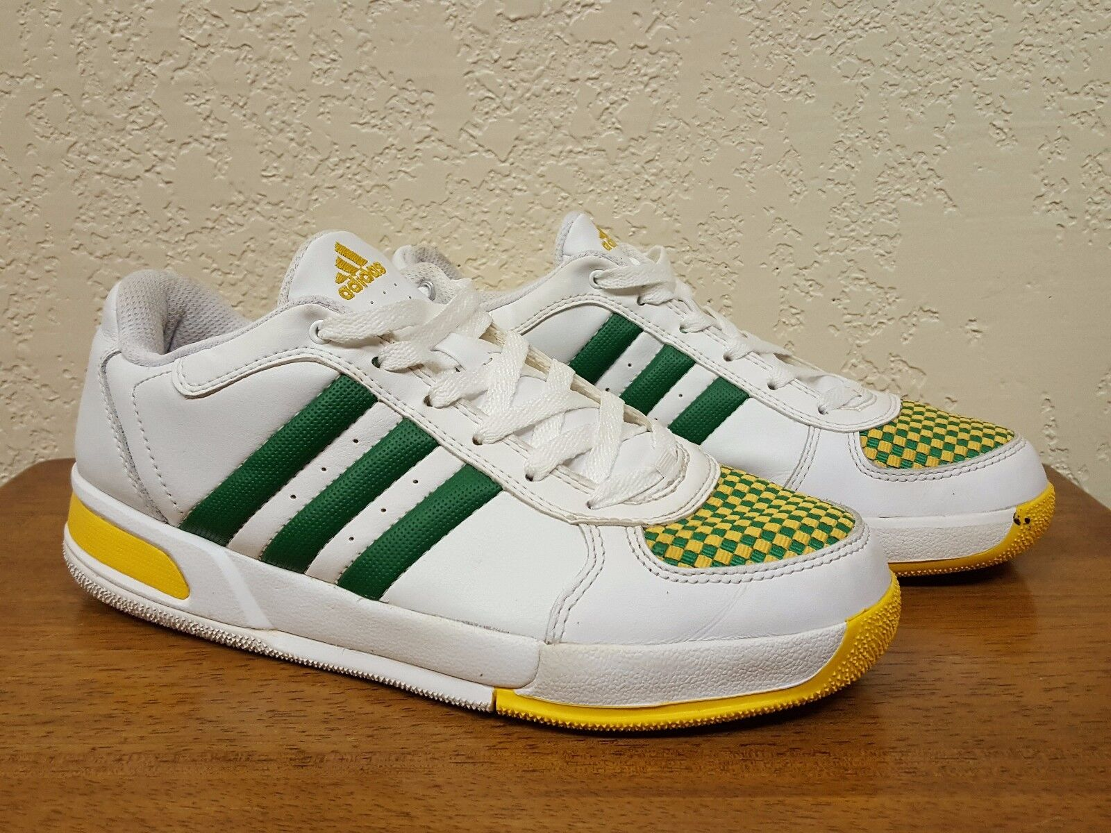 Mens ADIDAS Green Yellow Striped Checkered Leather Casual Athletic shoes 7.5