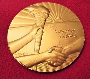 """MEDAILLE,""""QUE LE MEILLEUR GAGNE"""", par MERELLE - Athlétisme ORSAY-Medal-勋章-медаль - France - Commentaires du vendeur : """"ETAT - VOIR LES DIFFERENTES PHOTOS"""" - France"""