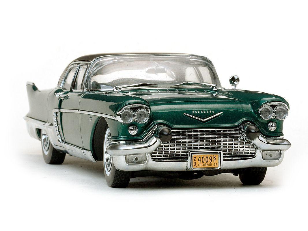1957 Cadillac Eldorado Brougham in verde 1 18 4009
