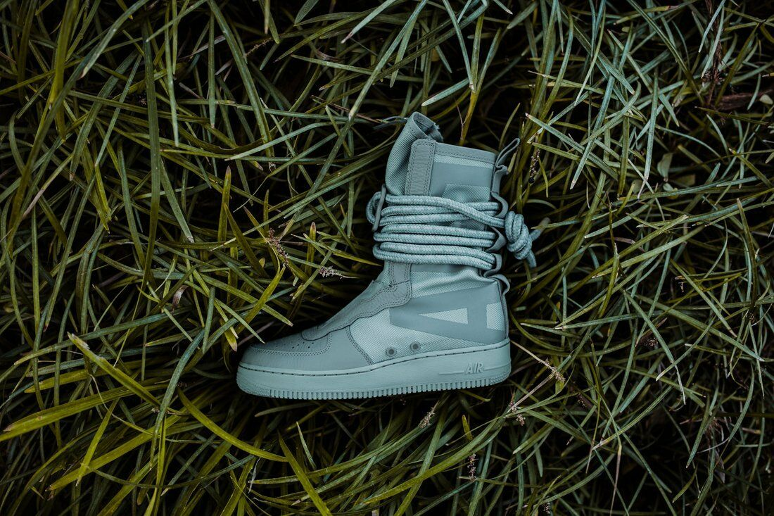Nike SF AF1 HI Sage Green size 11. Special Field. AA1128-201. Air Force Boots