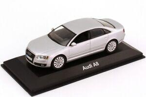 AUDI A8 D3 FACELIFT V8 4.2 QUATTRO LIGHT SILVER 1:43 MINICHAMPS (DEALER MODEL)