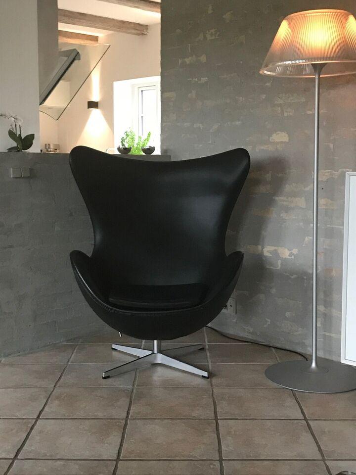 Arne Jacobsen, Ægget, Loungestol