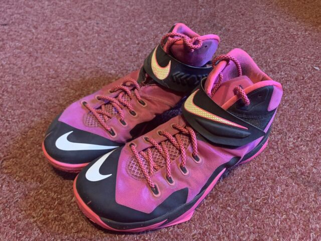 Size 11 - Nike Zoom Soldier 8 Pink for