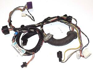 99-04-Land-Rover-Discovery-II-Rear-Door-Wiring-Harness-LEFT-or-RIGHT-YMM000460