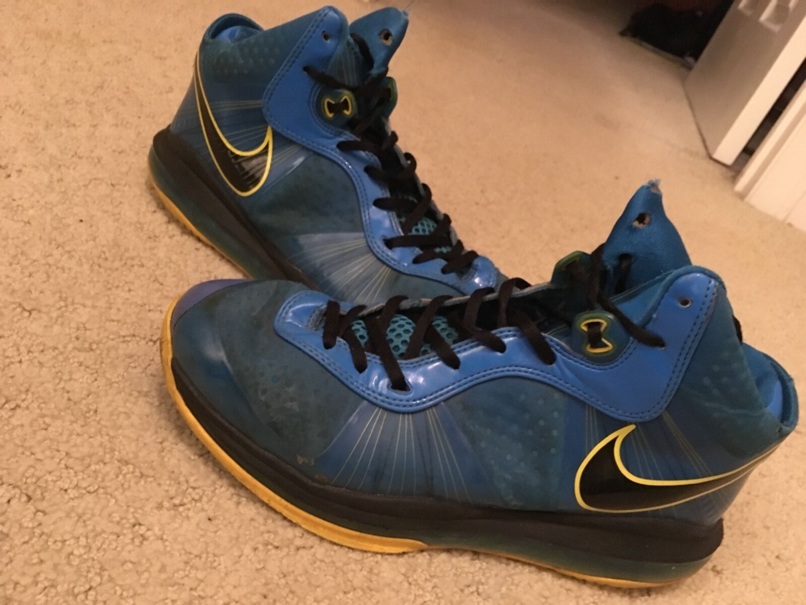 Nike lebron 8 v/2entouragemen's Größe 9