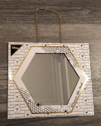 BNWT Disney officiel winnie l/'ourson alvéoles hexagonale Suspension miroir-Primark