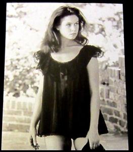 8x10-photo-of-Eliz-M-ontgom-ry-4-pretty-sexy-celebrity-TV-star-before-fame