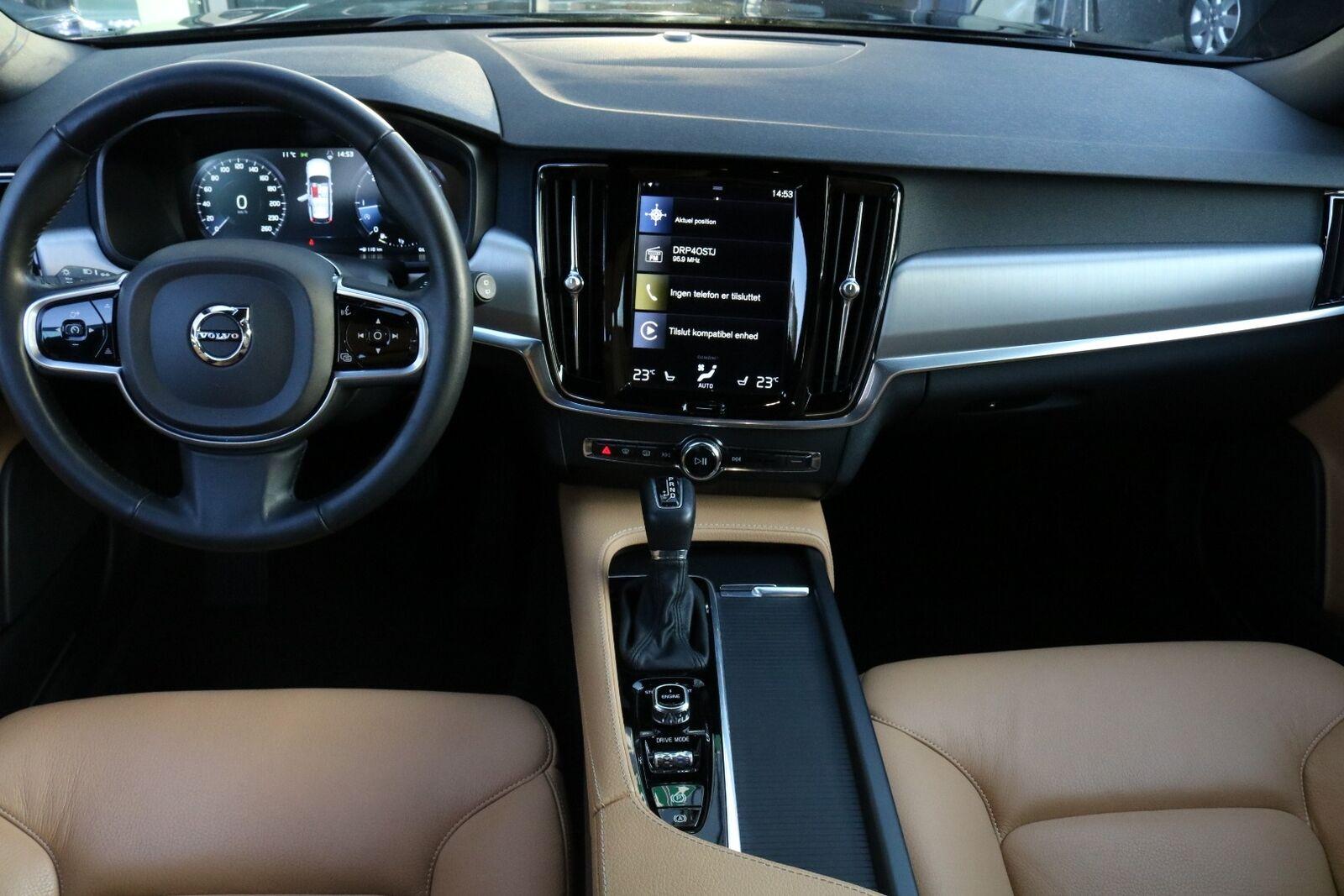 Volvo V90 D5 235 Momentum aut. AWD