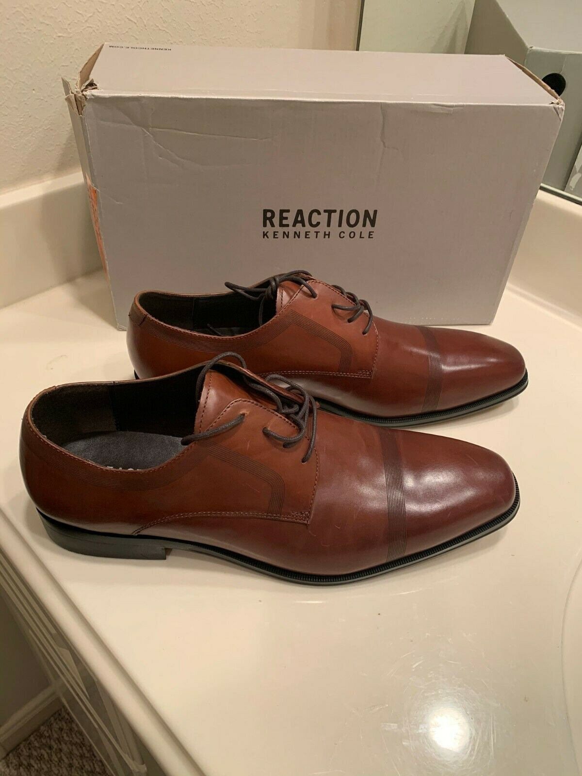 NWT MSRP REACTION KENNETH COLE PURE HEARTED COGNAC LACE UPS SIZE 11M