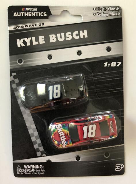 2019 Wave 2 #11 Denny Hamlin #18 Kyle Busch 1//87 NASCAR Authentics Twin Pack