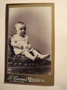 Weiden-i-O-Maria-Bechtl-als-sitzendes-kleines-Kind-Portrait-CDV