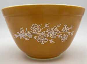 Vintage Pyrex Butterfly Gold 401 Mixing Bowl 750 Ml Yellow White Floral Kitchen