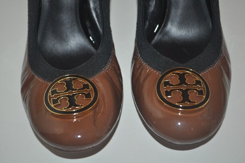 275+ con el el el logotipo de Tory Burch Caroline Marrón Zapato de tacón Bomba de mediados de Cuero Patente Talla 10 895d8f